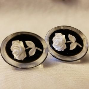 Vintage Resin Flower Earrings